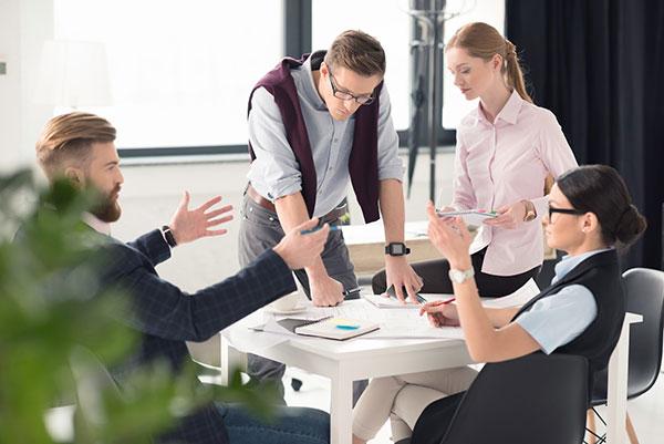 Как понравиться руководителю и коллегам на новой работе