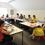 Зачем нужно посещать языковую школу? И когда?
